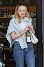 Dakota Fanning - Out in Toluca Lake
