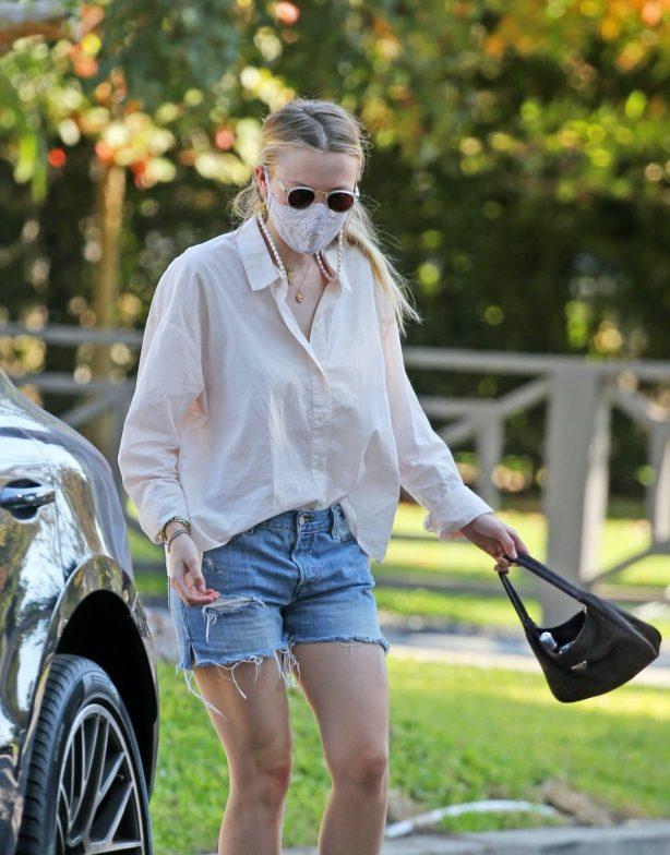 Dakota Fanning - Seen out in Los Angeles