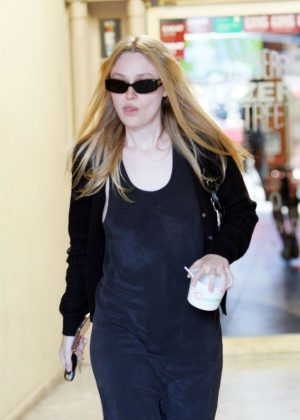 Dakota Fanning - Shopping in Beverly Hills