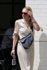 Dakota Fanning - Shopping in Studio City