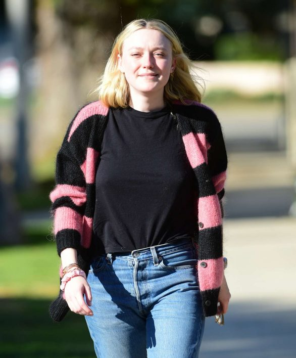 Dakota Fanning - Spotted while out in Los Angeles