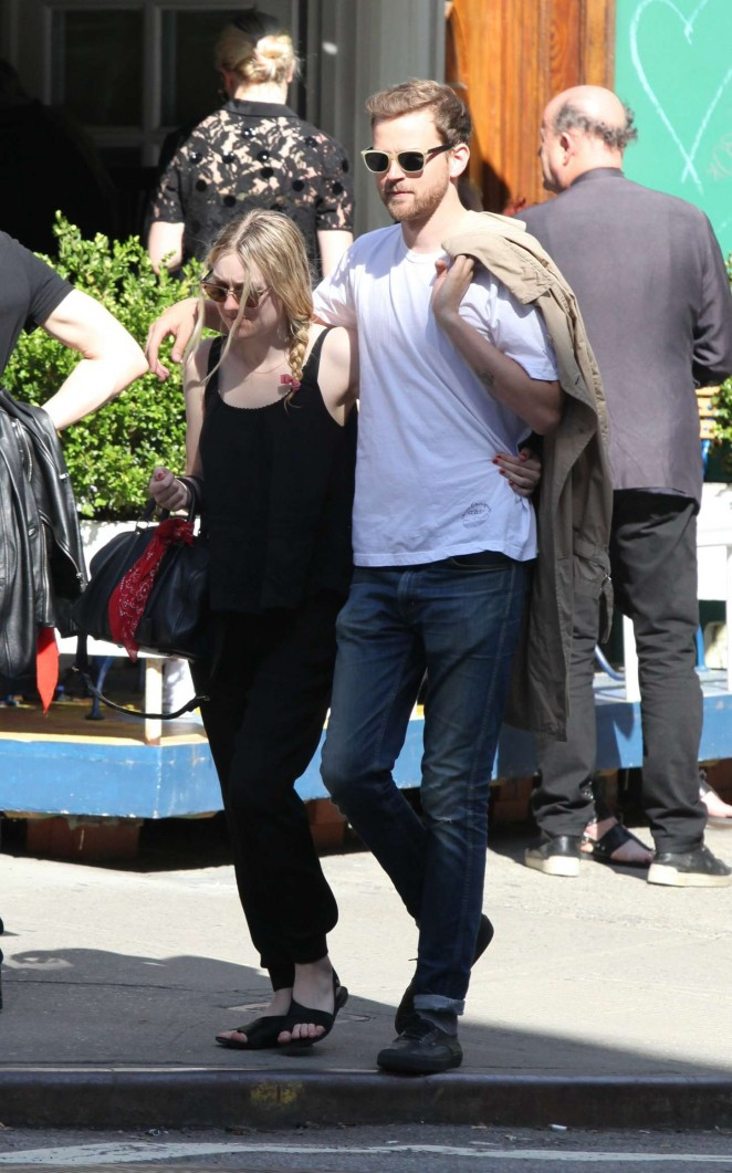 Dakota Fanning With Her Boyfriend Out in NYC