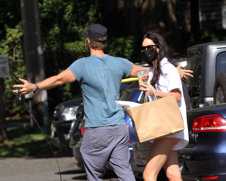 Dakota Johnson 2020 : Dakota Johnson and Chris Martin – out for lunch at the park in Amagansett – Hamptons -05
