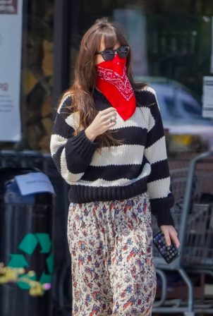 Dakota Johnson and; Chris Martin - Shopping candids in Malibu