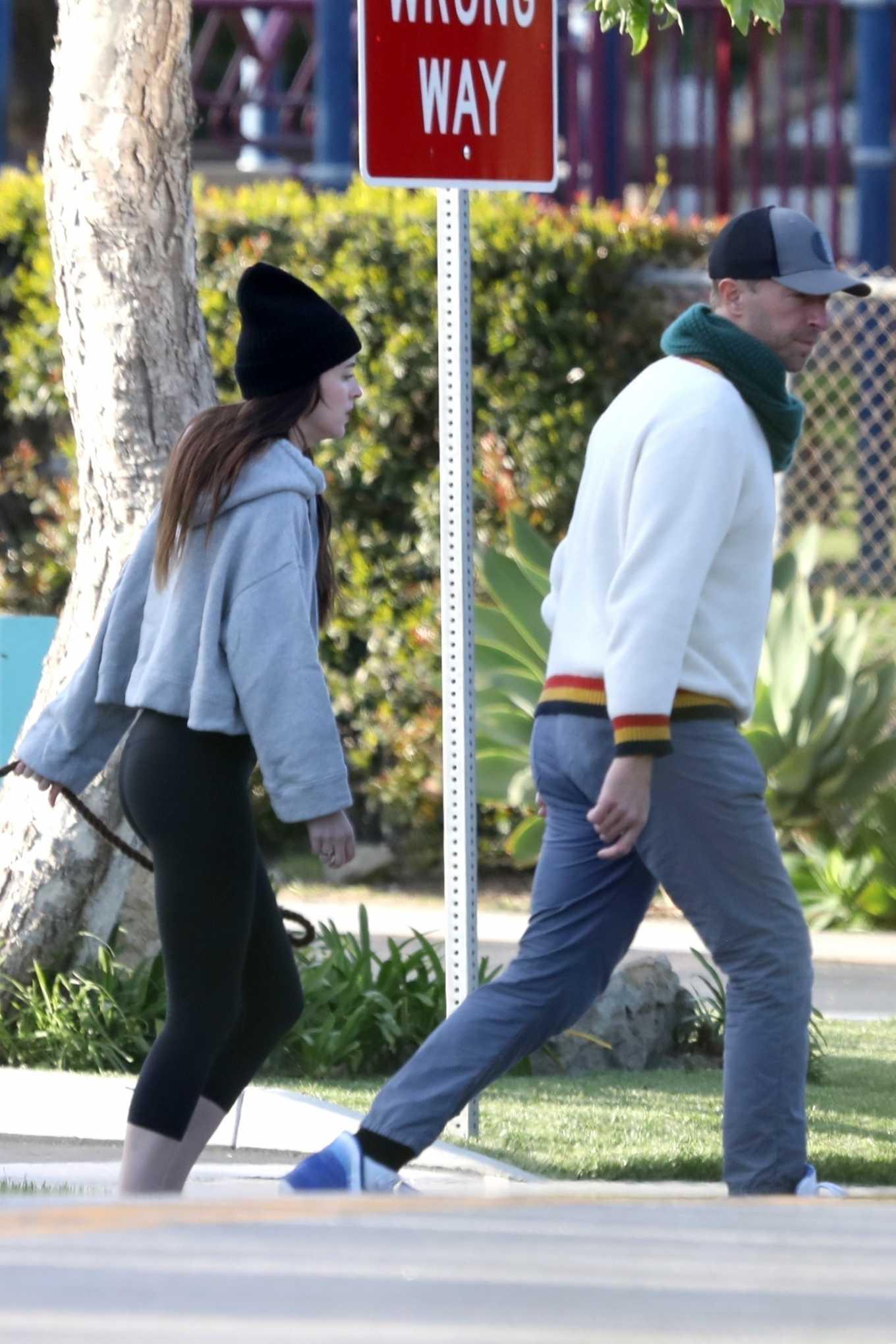 Dakota Johnson 2020 : Dakota Johnson and Chris Martin – step out in Malibu-06