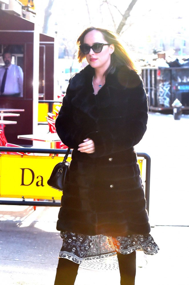 Dakota Johnson Arriving at Da Silvano for lunch in New York