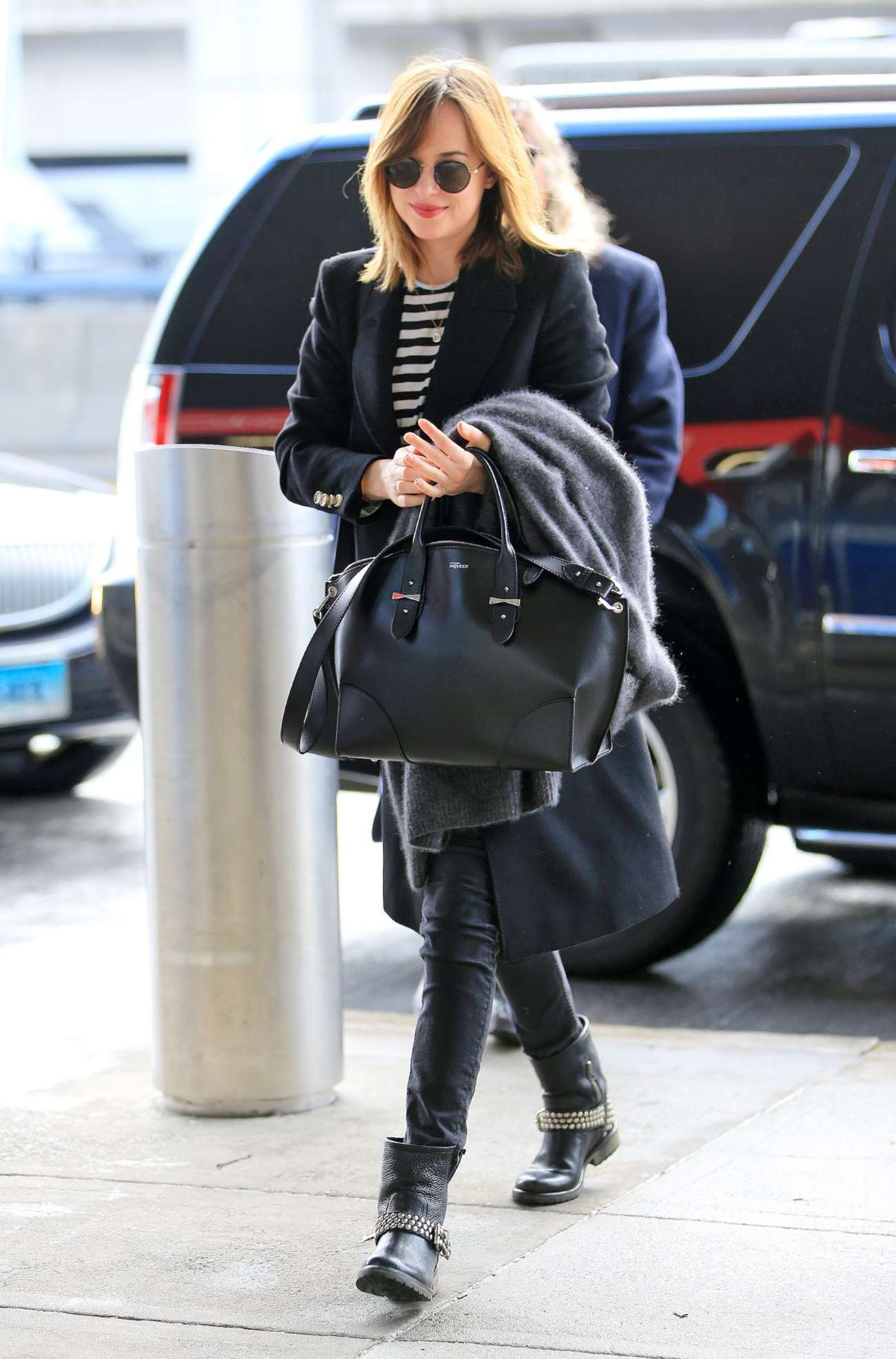Dakota Johnson 2016 : Dakota Johnson: Arriving at JFK Airport -05