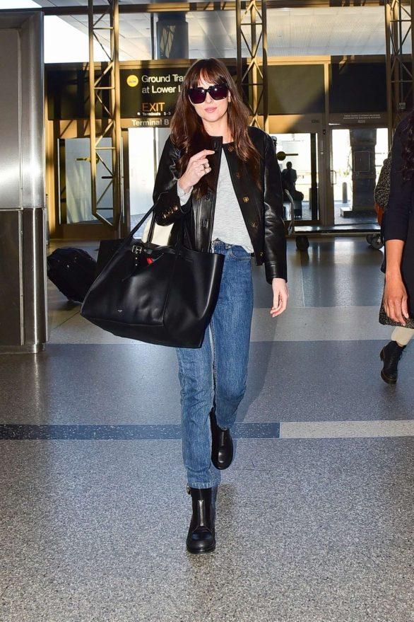Dakota Johnson - Catch a flight out of LA in Los Angeles