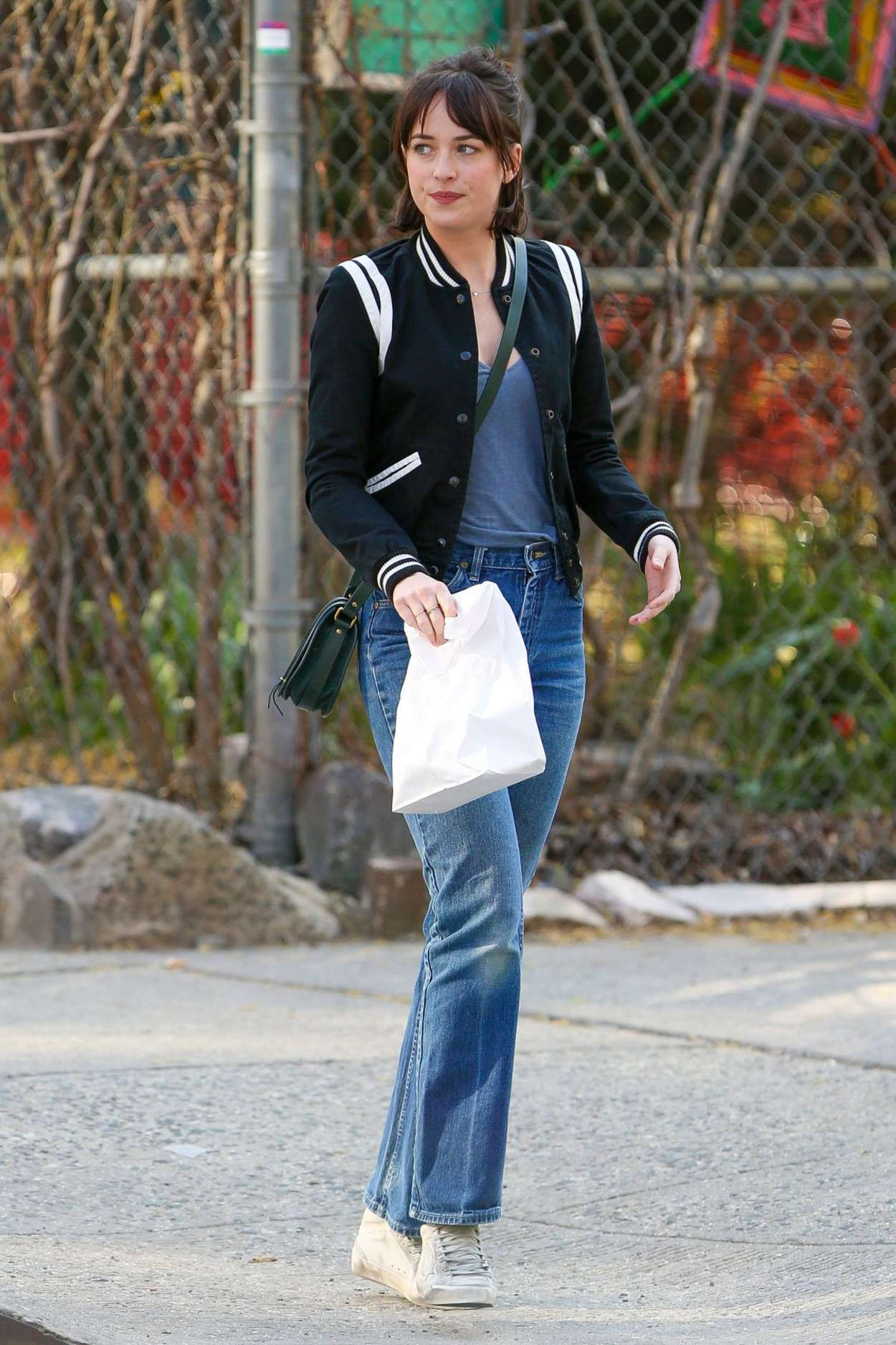 Dakota johnson in jeans on how to be single 30 gotceleb dakota johnson in jeans on how to be single 30 ccuart Choice Image