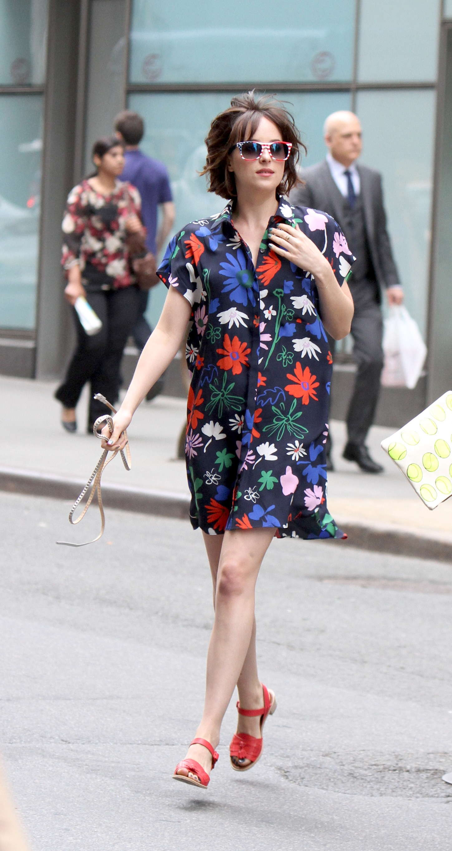 Dakota Johnson In Floral Dress At How To Be Single Set 01 Full Size Dakota  Johnson