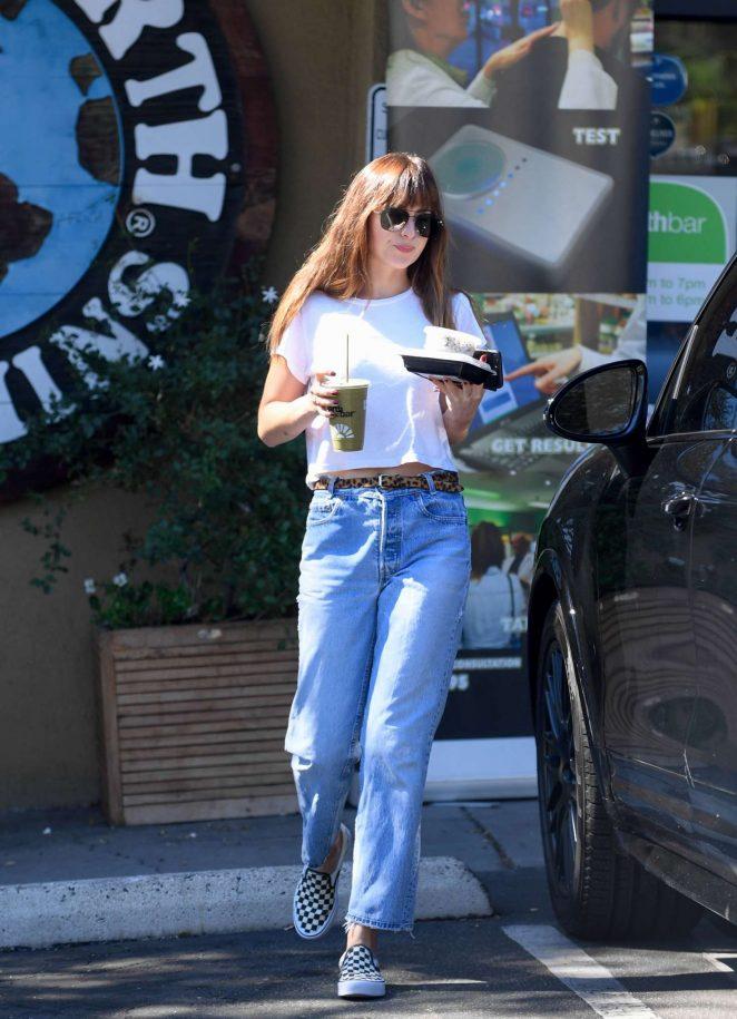 Dakota Johnson - Grabs lunch at Earthbar in Los Angeles