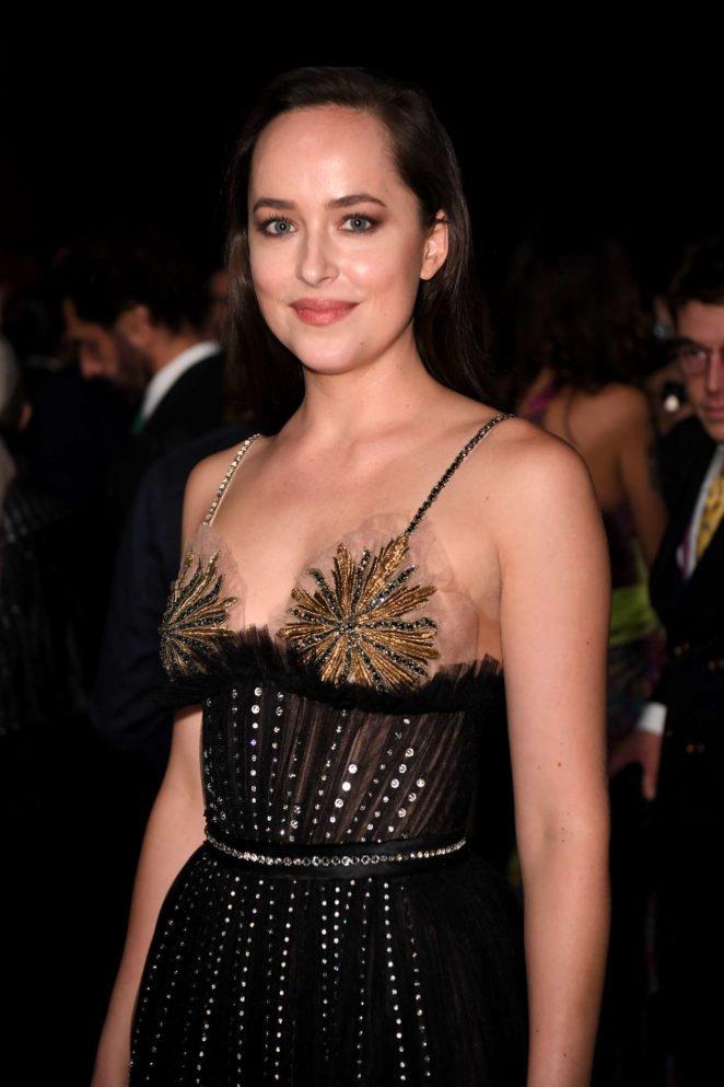 Dakota Johnson - Green Carpet 2017 Fashion Awards in Milan