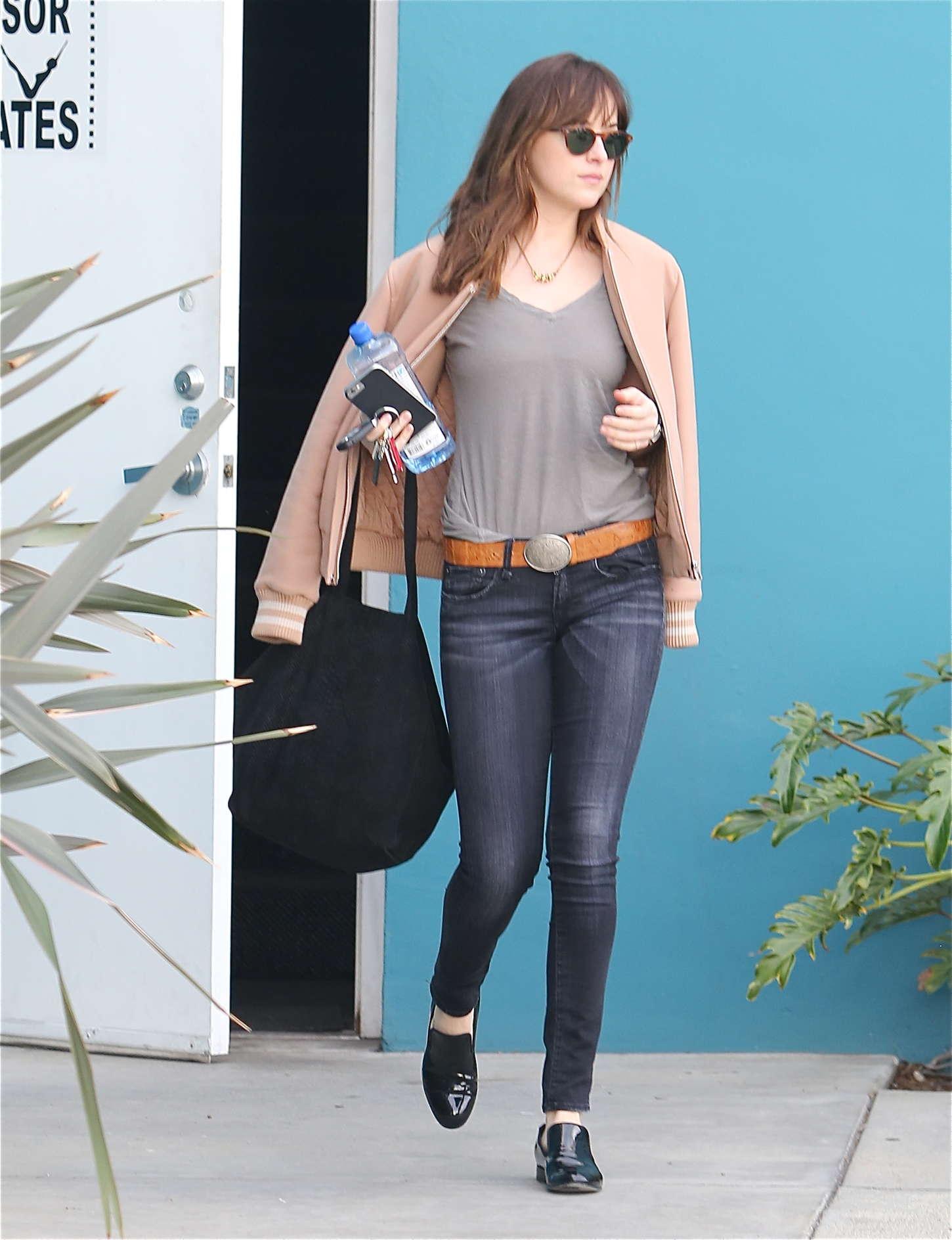 Dakota Johnson in jeans -27 - GotCeleb