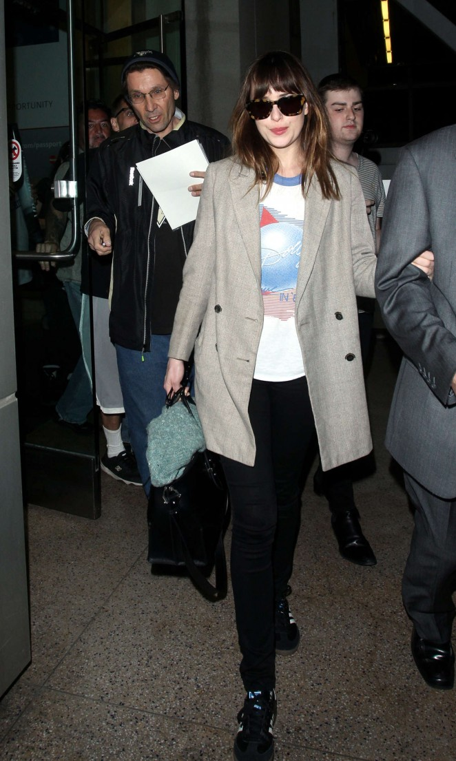Dakota Johnson: LAX Airport -18