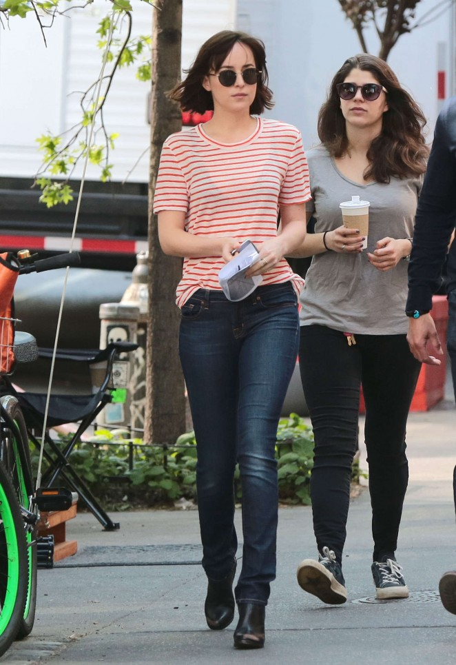 Dakota Johnson on 'How To Be Single' set in NYC