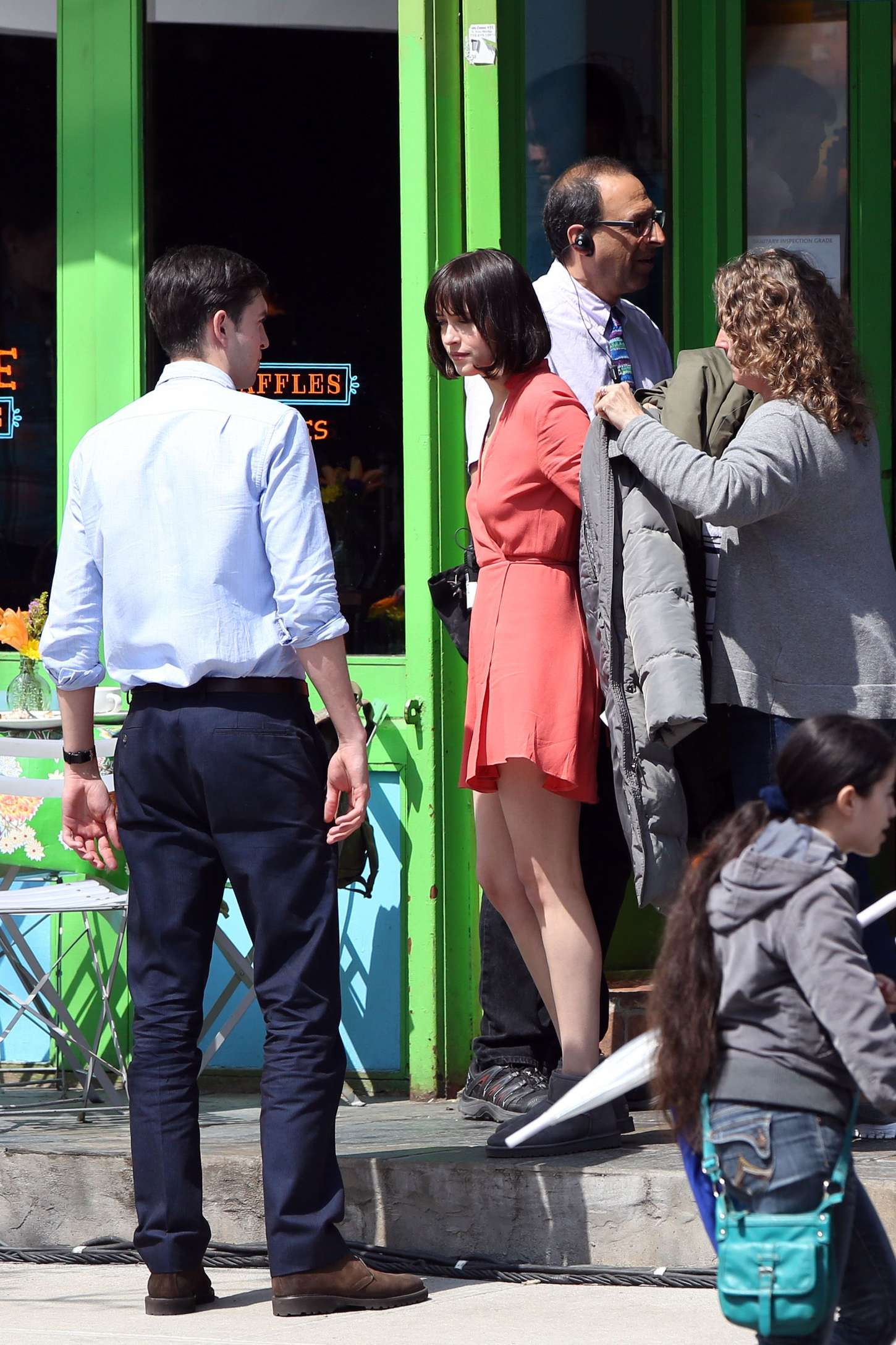 Dakota Johnson In Tight Jeans On How To Be Single Set 29 Full Size