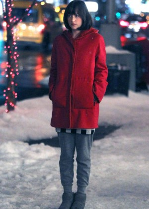 Dakota Johnson - On set of 'How To Be Single' in NYC