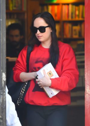 Dakota Johnson - Shopping at a book store in NYC
