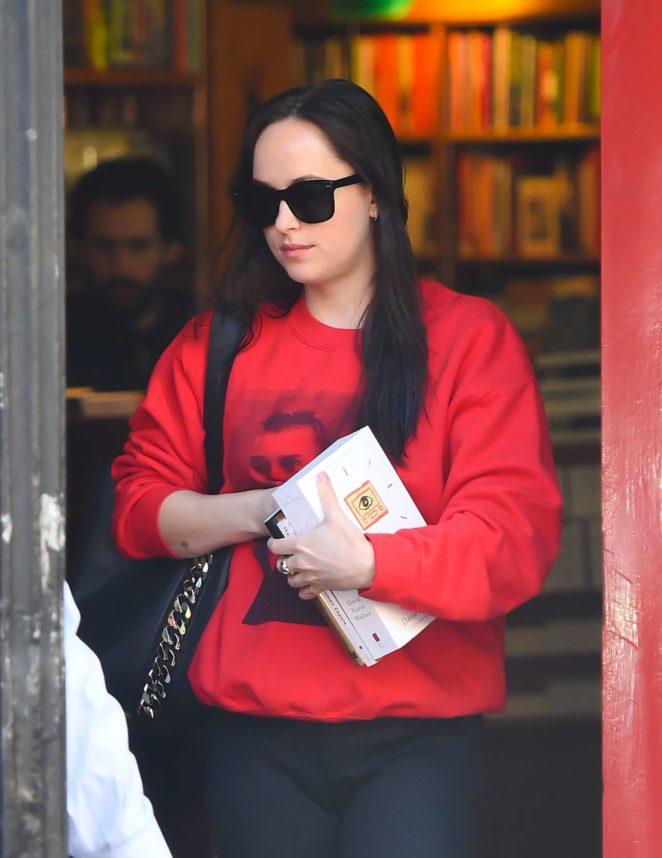 Dakota Johnson – Shopping at a book store in NYC