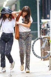 Dakota Johnson - Shopping in a rainy day in New York City