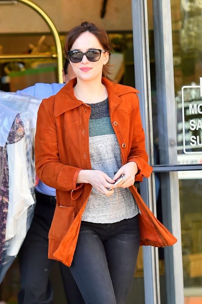 Dakota Johnson Dakota Johnson in Tight Jeans Out in LA
