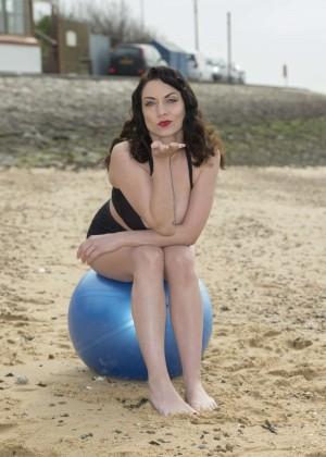 Dani Thompson: Bikini Photoshoot -01
