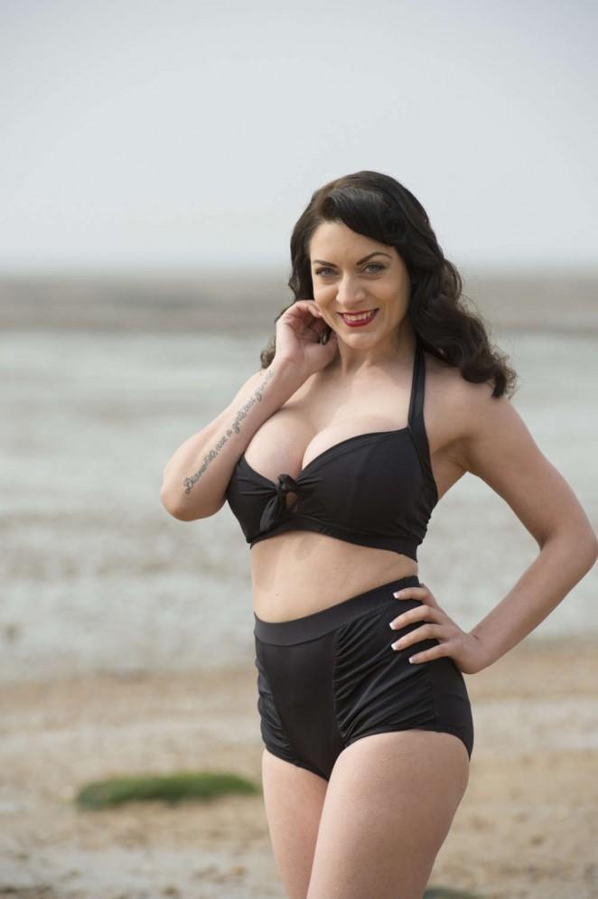 Dani Thompson: Bikini Photoshoot -08