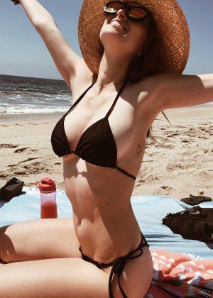 Dani Thorne in Bikini - Instagtam