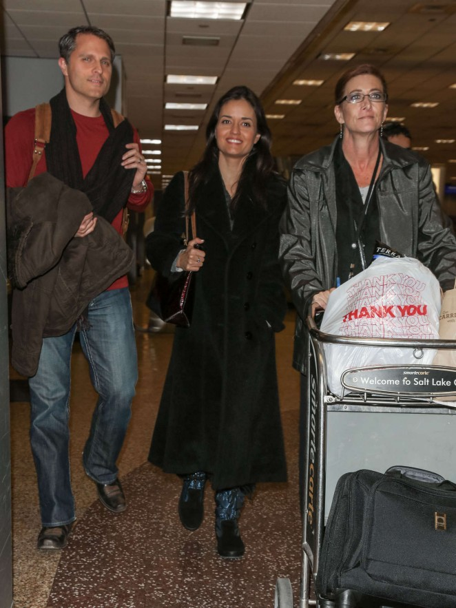 Danica McKellar at Salt Lake City International Airport