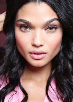 Daniela Braga - Victoria's Secret Fashion Show Backstage 2016 in Paris