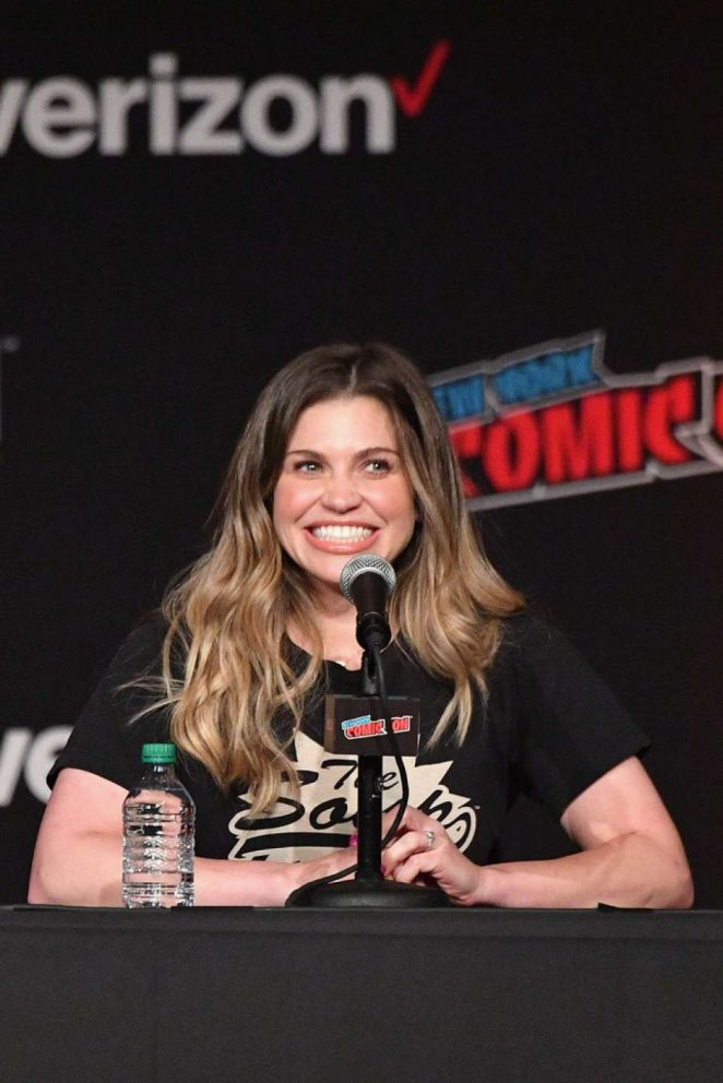 Danielle Fishel – 'Boy Meets World' Panel at 2018 New York Comic Con