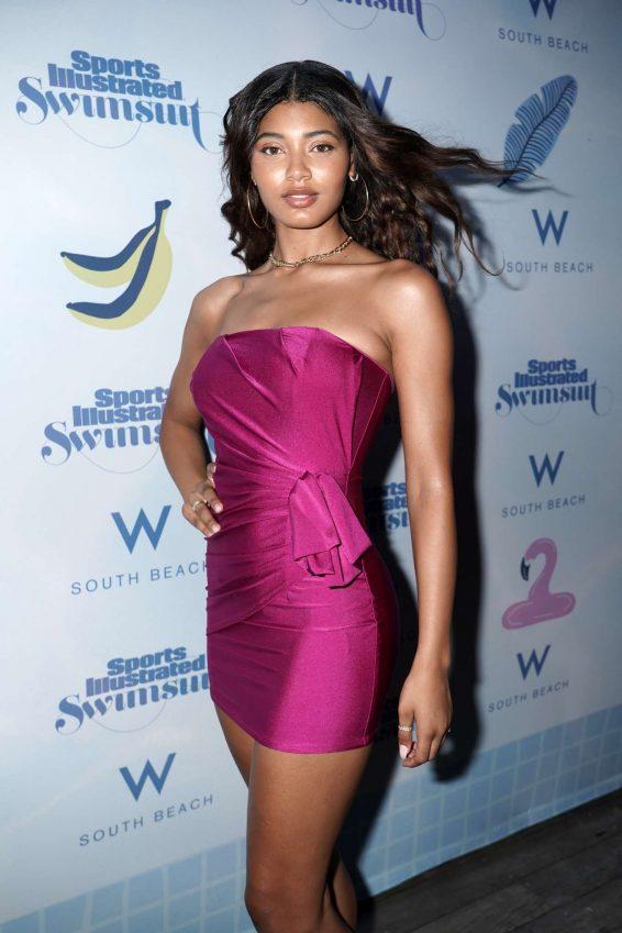 eyval: Danielle Herrington - Sports Illustrated Swimsuit