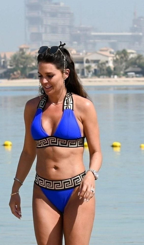 Danielle Lloyd - On a Family Break in Dubai