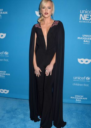 Danielle Moinet - 2016 UNICEF Masquerade Ball in Los Angeles