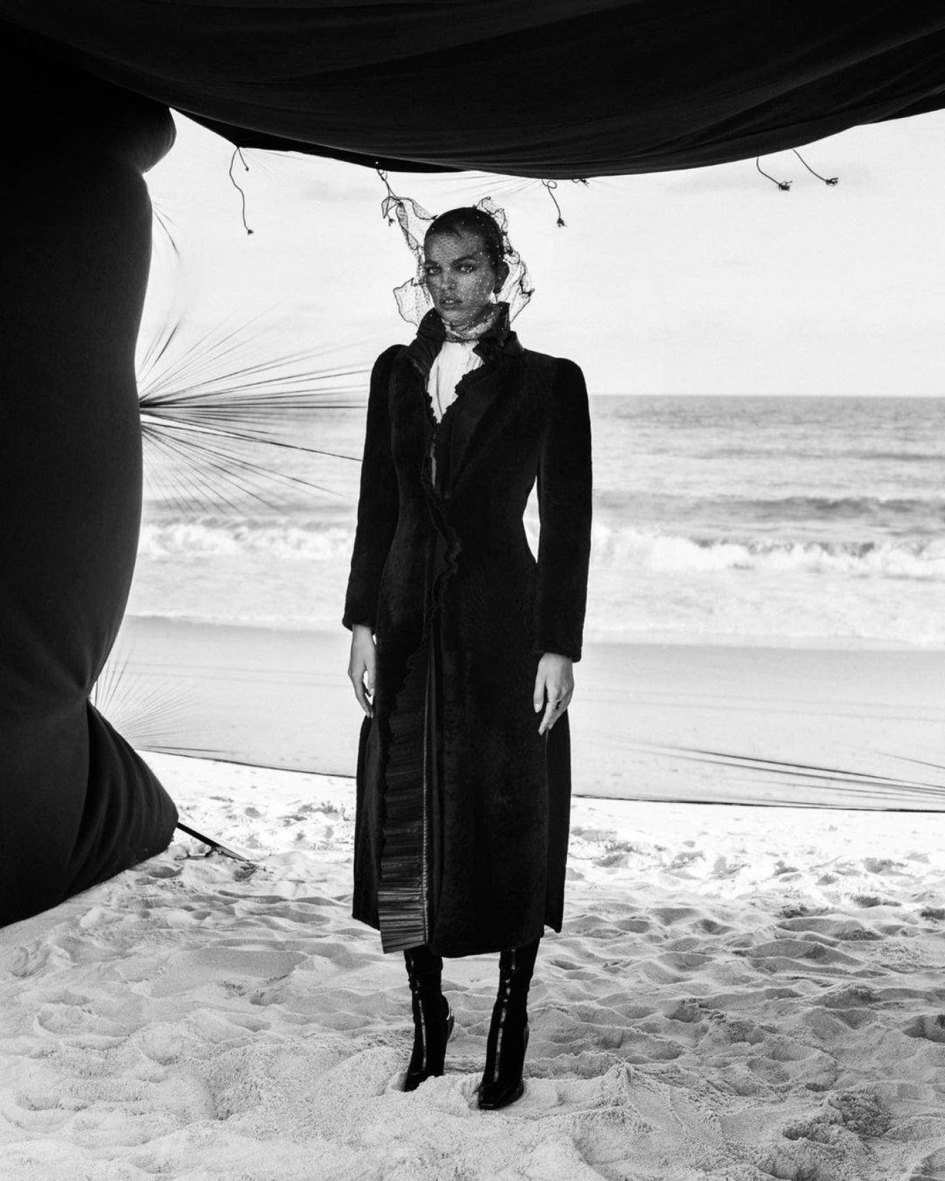 Daphne Groeneveld 2020 : Daphne Groeneveld – Harpers Bazaar (Russia – November 2020)-02