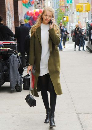 Daphne Groeneveld Out in New York