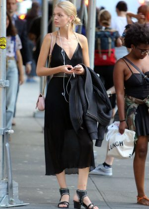 Daphne Groeneveld - Shopping at La Perla in New York