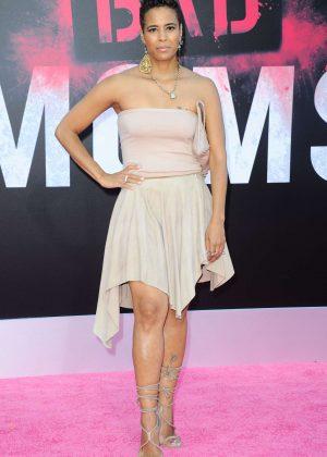 Daphne Wayans - 'Bad Moms' Premiere in Los Angeles