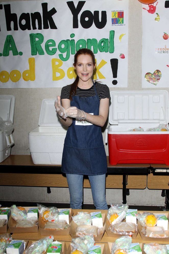 Darby Stanchfield and Ashley Greene: Feeding America Put The Heat On Hunger -05