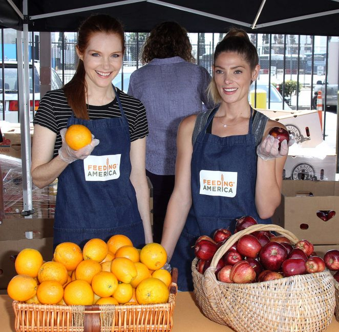 Darby Stanchfield and Ashley Greene: Feeding America Put The Heat On Hunger -10
