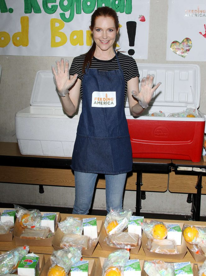 Darby Stanchfield and Ashley Greene: Feeding America Put The Heat On Hunger -13