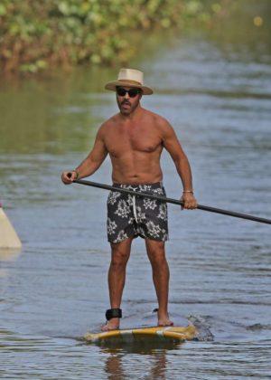 Darcie Lincoln in Bikini Paddleboarding in Hawaii Pic 6 of 35