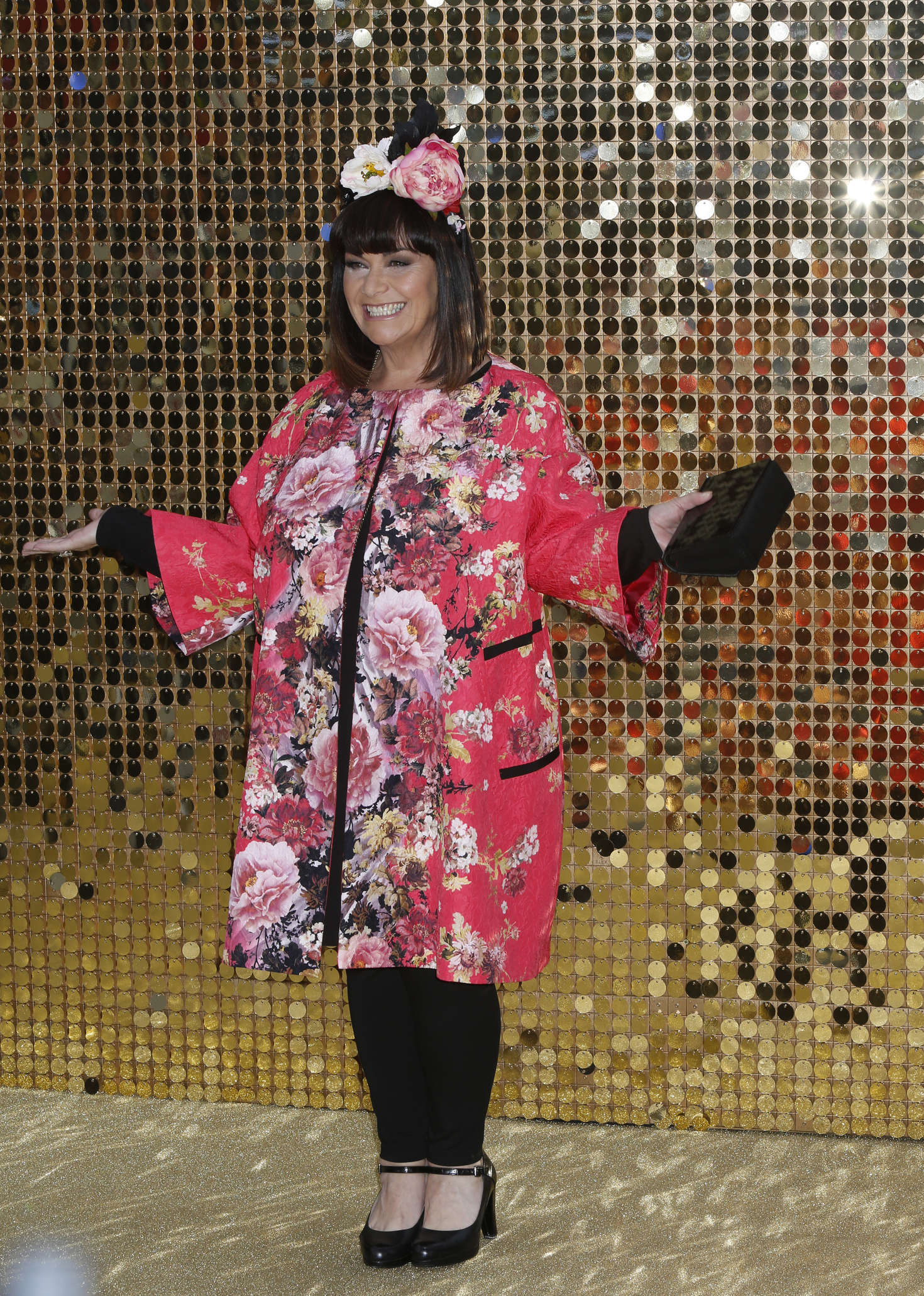 Dawn french 39 absolutely fabulous the movie 39 premiere in for Absolutely fabulous beauty salon
