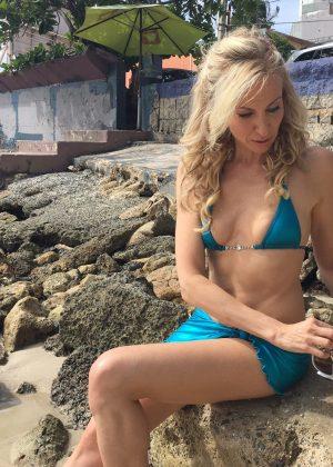 Debbie Gibson - Bikini Candids in Puerto Rico