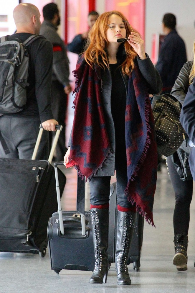 Debby Ryan: LAX Airport -09