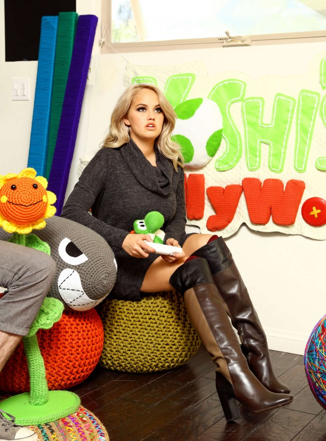 Debby Ryan - Plays Nintendo's 'Yoshi's Woolly World' in Los Angeles