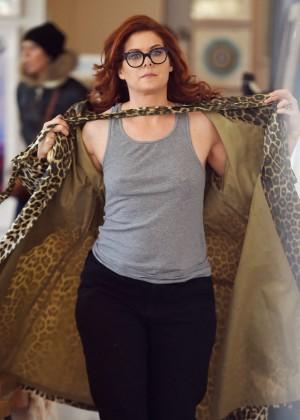 Debra Messing - Shopping in NYC