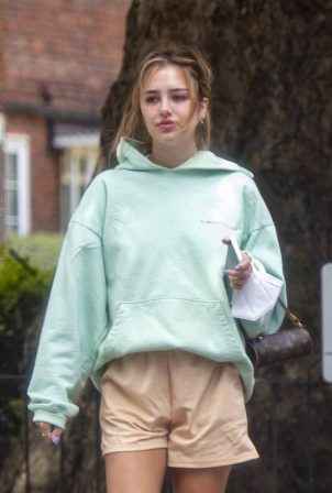 Delilah Belle Hamlin - dog walk with Eyal Booker in London