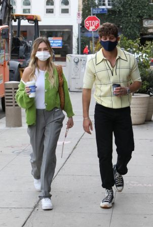 Delilah Belle Hamlin - Out for coffee at Alfred's in West Hollywood