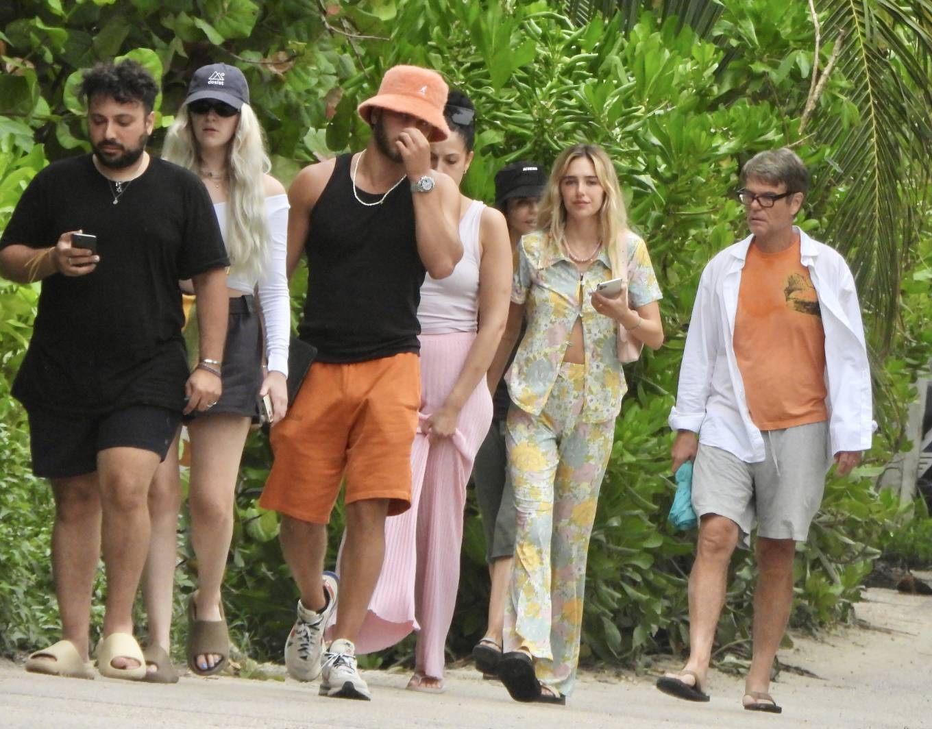 Delilah Belle Hamlin - Seen with a group of friends in Tulum Mexico